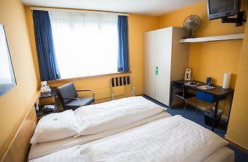 Camera Matrimoniale Per Uso Singolo.X Tra Hotel Zurigo Tariffe Da 131 A Notte
